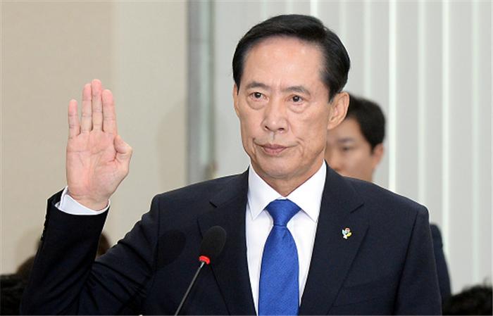송영무 방산비리는 이적행위…군내 개혁 저항세력 있다