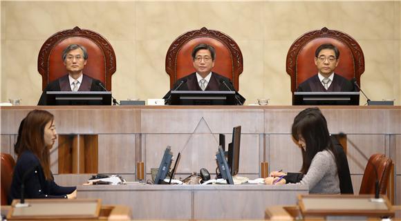 """""""혼인 중 출산, 유전자 달라도 친자식"""""""